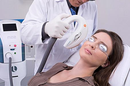 瞼板腺脈衝光的施作流程