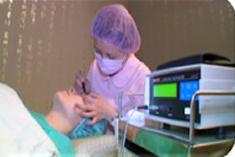 近視雷射手術當天流程4. 專業護理人員為您進行角膜厚度測量。